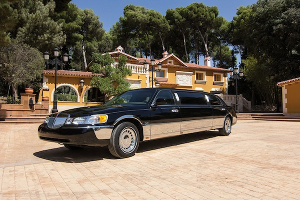 Alicante-Limousine-Transfers-6-people